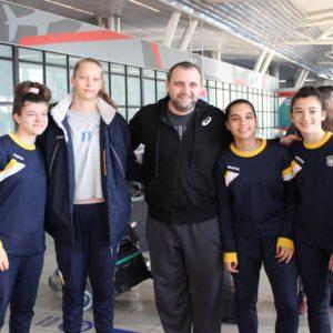 Малките маричанки посрещнаха волейболните националки