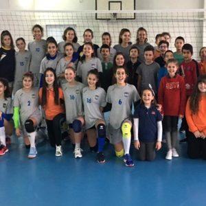 2019-02-13 Малки маричанки с демонстрационна тренировка в ОУ Яне Сандански